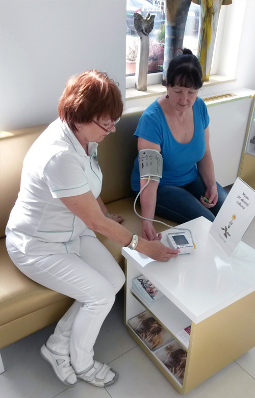 Lekáreň U Anjela, Meranie tlaku